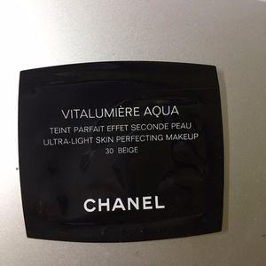 NEW&Free! Chanel Foundation Sample